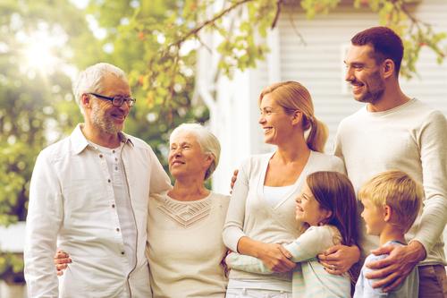 Naszą misją jest wszechstronna pomoc małżeństwom i rodzinom w oparciu o antropologię chrześcijańską oraz wymagania wynikające z treści nauczania Kościoła Katolickiego.   Pragniemy promować wartości rodzinne, wspierać małżeństwa i rodziny w kryzysie oraz budować w społeczeństwie klimat przyjazny małżeństwu i rodzinie. Kolejnym naszym celem jest wspieranie i promocja kultury, a szczególnie muzyki chrześcijańskiej. Chcemy aby głębia przesłania ewangelicznego i piękno muzyki dotykały serc słuchaczy i otwierały ich na  Bożą miłość.